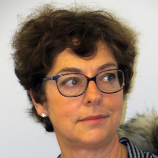 Mme Yannick LE GLOAN